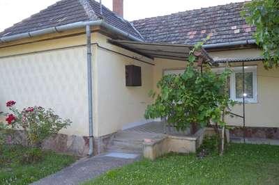 Eladó családi ház - Balatonendréd / 1. kép