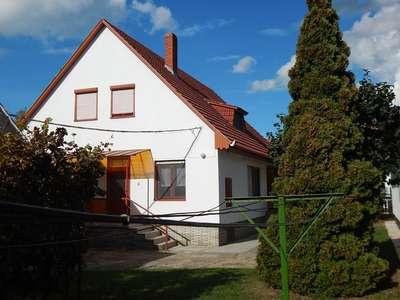 Eladó családi ház - Balatonlelle / 1. kép