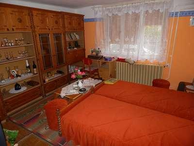 Eladó családi ház - Balatonőszöd / 1. kép