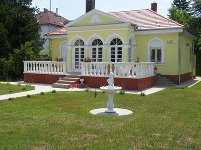 Eladó villa, kastély, kúria - Fonyód / 1. kép