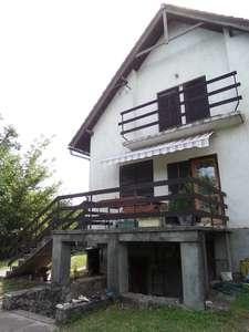 Eladó ikerház - Balatonkenese / 1. kép
